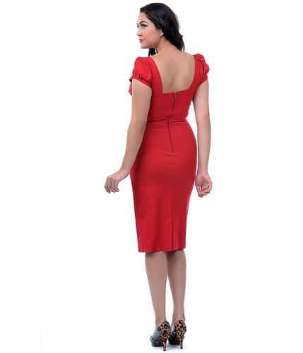 Stop Staring! Billion Dollar Fitted Dress Rød